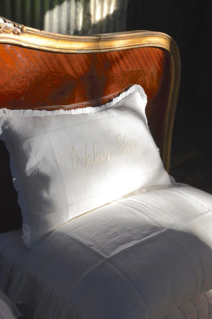 Lekker Slaap Bed Cushion Masquerade