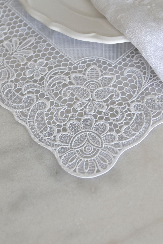 vintage lace vinyl placemats set of 4